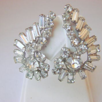 1960s Vintage Rhinestone Silver Tone Clip Earrings / Wedding / Bridal / Mid Century / Prong Set Baguettes / Ear Hugger / Vintage Jewelry