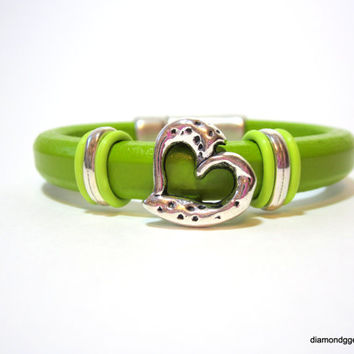 Heart Bracelet Regaliz Leather Bangle Pistachio Chunky Licorice Leather Bracelet Magnetic Clasp Greek Leather Rubber Orings Girlfriend Love