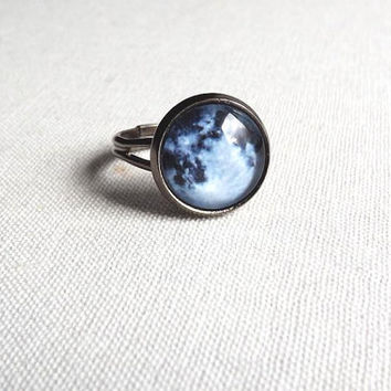 Full Moon Ring- Tiny full moon adjustable ring- Twilight jewelry- Galaxy, Universe, Outer Space- moonchild- Minimalist jewelry- Gift for her