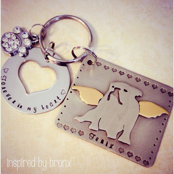 Custom Dog Memorial silhouette Keyring, Personalized pet keychain, Pet Keyring, Bulldog, Hand Stamped English Bulldog Angel