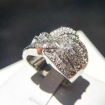 Luxury Low-key Austrian CZ Crystal 925 sterling silver Wedding Rings for Women Accessory Inifite Love Across Ring Lady Jewelry