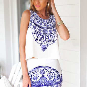 White And Blue Tile Print Sleeveless Dress