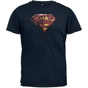 DCCKU3R Superman - Rusted Shield T-Shirt