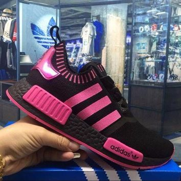LMFUX5 Adidas Originals NMD R1 Black Pink Boost Sport Running Shoes Classic Casual Shoes Sneakers