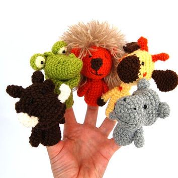 5 african animal finger puppets, crocheted lion, crocodile, hippopotamus, giraffe and warthog, jungle zoo animals, tiny amigurumies, toys