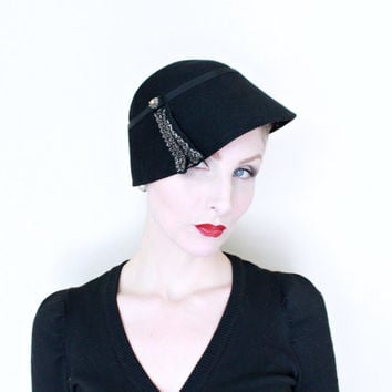 1950s Hat / VINTAGE / 50s Hat / Cloche / Beaded / Black / Felted Wool / NICE