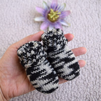 Baby socks, zebra striped baby socks, stay-on socks, black and white, thin wool baby booties, handknit, newborn size, Ready to ship