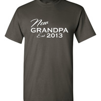 New Grandpa Tshirt.  Surprise your dad by telling him your pregnant with a fun tshirt!!!!
