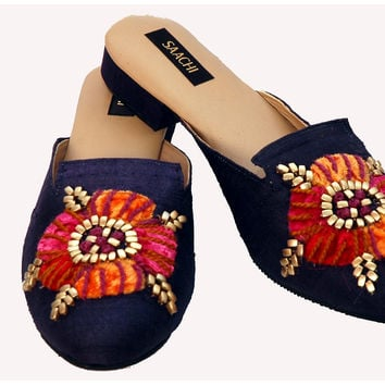 EMBROIDERED SILK SHOE    Navy/Gold, 9, Slippers