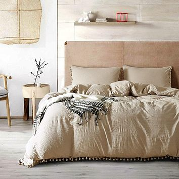Microfiber Solid Color Bedding Set Little Pompoms Modern Bed Duvet Cover Pillowcases Home Textile Coverlets