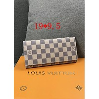 LV Tide brand ladies classic old chess board long flip wallet White check