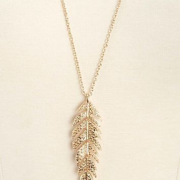 EMBOSSED FEATHER PENDANT NECKLACE