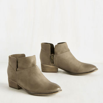 Seychelles Snare Bootie in Stone | Mod Retro Vintage Boots | ModCloth.com