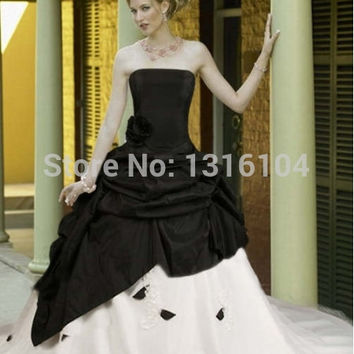 Medieval Black White Bridal Gowns With Color Two tones Ball Gown Taffeta With Train Victorian Quinceanera Girl Wedding Dresses