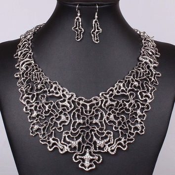 Silver Ethnic Filigree Necklace and Earrings