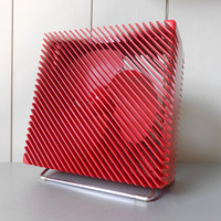 Vintage 1970s red Ariante fan designed by Marco Zanuso for VORTICE in 1973. Made in Italy. Classic Italian design. MoMA collection