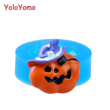 J129YL 28mm Pirate Halloween Pumpkin Silicone Mold Cupcake Topper Food Safe Polymer Clay Plaster Flexible Mold