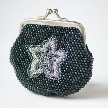 Black Beaded Coin Purse - Vintage Money Purse – Small Purse Metal Frame - Kiss Clasp Closure Purse Coin