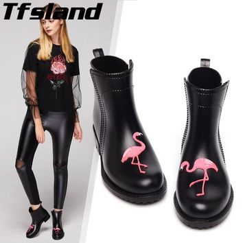 Women Water Shoes Chic Flamingo Walking Shoes PVC Martin Ankle Rain Boots Non-Slip Waterproof Cartoon Rainboots Woman Wellies 40
