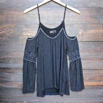 vintage acid wash cold shoulder boho shirt in navy