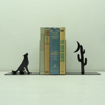 Howl At The Moon Metal Art Bookends  Free by KnobCreekMetalArts