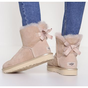 UGG : Women Trending Fashion Wool Snow Boots
