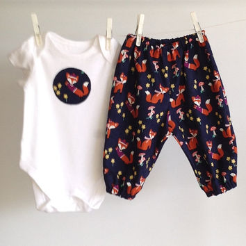 BABY OUTFIT FOXES,  gender neutral, navy baby clothes, fox one piece applique, navy fox outfit, baby harem pants, fox baby harems