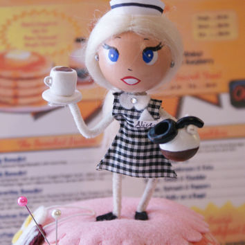 Diner Ball Pincushion Retro Waitress Coffee Pink 50s Doll Eggs Bacon Mother's Day Gift Kawaii Pincushion Miniature Coffee Pot Cup
