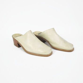 1990s Minimalist Cream Leather Clogs Slip On Mules Leather Slip On Shoe Low Wood Chunky Heels Western Minimal Slides Heels Size 9