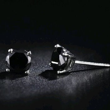 Hot sal 100% New 6mm width Fashion platinum plated 4 Claw Crystal Men Stud Earrings Black White Colors Man Jewelry Male Earrings