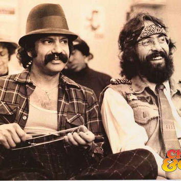 Cheech and Chong Chillin' Poster 24x36