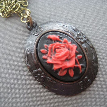 Victorian Cameo Necklace  Victorian by SilverTrumpetJewelry