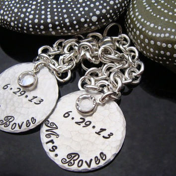 """SALE D2E custom engraved handstamped and hammered """"Mr.&Mrs."""" aluminum wine glass charms with overlapping Swarovski Crystals"""