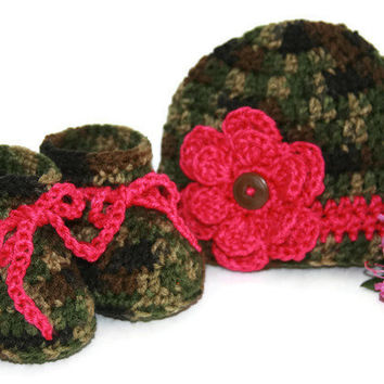 Baby girl booties camo hot pink green brown hat set crochet with flower and button accent newborn photo shoot. 0 - 3 months
