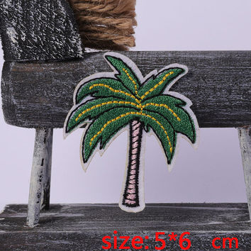 2016year New arrival 1PC Coconut tree summer Iron On Embroidered Patch For Cloth Cartoon Badge Garment Appliques DIY Accessory