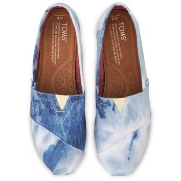 TOMS Blue Tie-Dyed Women's Classics Slip-On Shoes,