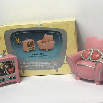 Vintage I LOVE LUCY Salt & Pepper Shakers / Vandor Novelty Kitschy Kitchen Decor / Ceramic Sofa and TV Set / Pink Atomic Kitchen Table Decor