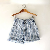 Vintage 80s blue jean shorts. striped denim shorts. high waisted shorts.
