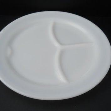 Pyrex Grill Plate 3 Compartment Milk Glass Restaurant Ware Plate 791