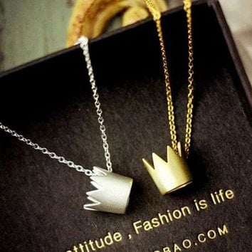 ESBON Fashion stereoscopic crown necklace