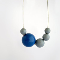 Blue grey long wooden necklace asymmetric necklace eco friendly minimal jewelry #woodnecklace #minimal #woodjewelry #assymetric