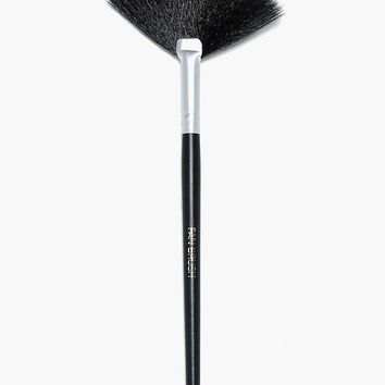 Fan Brush | Boohoo