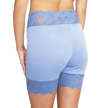 Floral Lace Stretch Shorts in Blue