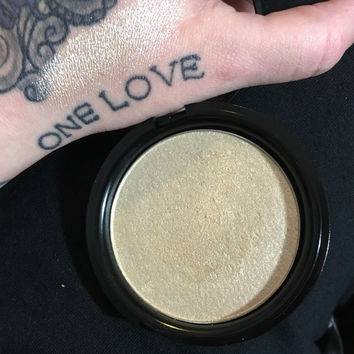 FAME Compact Highlighter