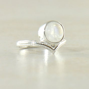 Enlightened Sterling Silver Ring - Moonstone | Labradorite