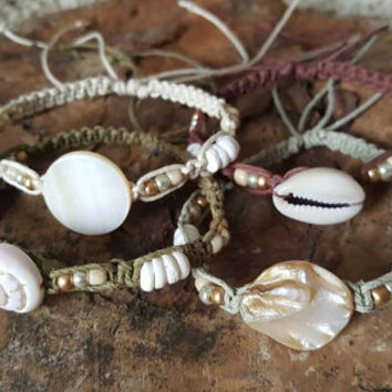Hemp Bracelet Set, Beach Wedding, Bridesmaid Gifts, Sea Shells, Puka Shell Bracelets, Gift, Hemp Jewelry, Handmade Bracelet, Set of 4, Hemp