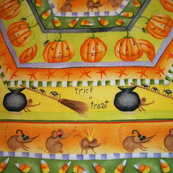 Halloween Hexagonal Table Topper Quilted