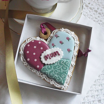 Quilt Style Mothers Day Heart Biscuit Hanging Ornament/ Keepsake