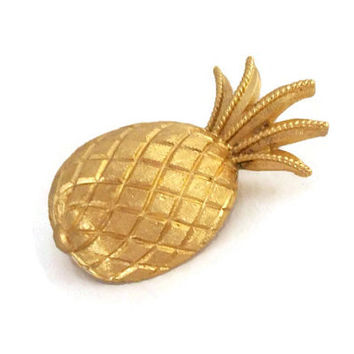 Vintage Signed Trifari Pineapple Brooch Pin - Small Tiny Detailed Textured Gold Tone Pineapple Fruit Pin