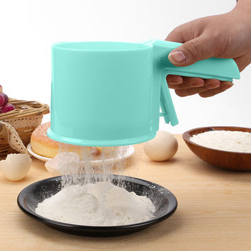 Plastic Cup Shape Mechanical Flour Sieve Powder Sifter Baking Icing Sugar Shaker with Handle Bake Tool